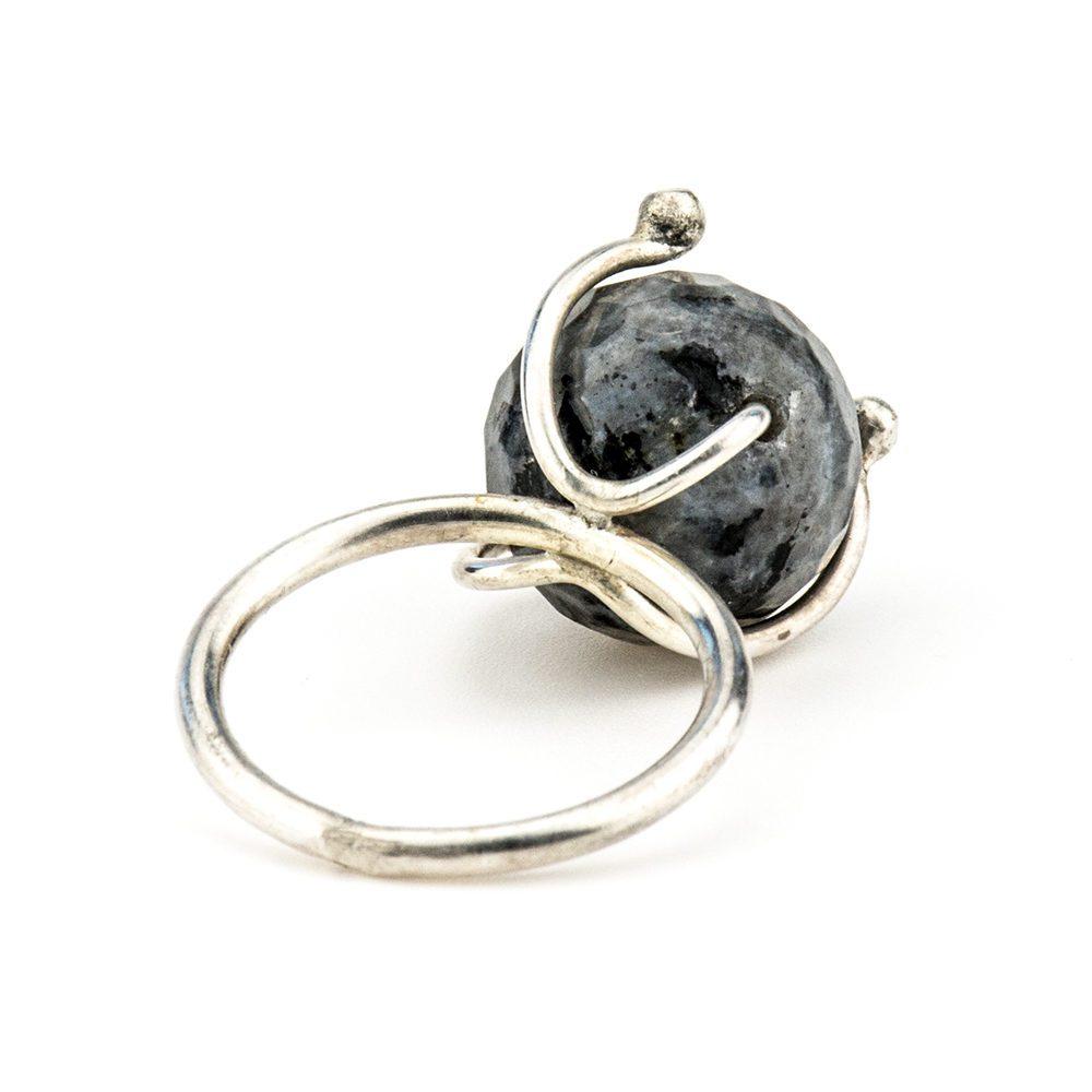 prsten od srebra spektrolit