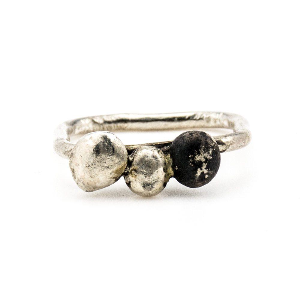 srebrni prsten kuglice
