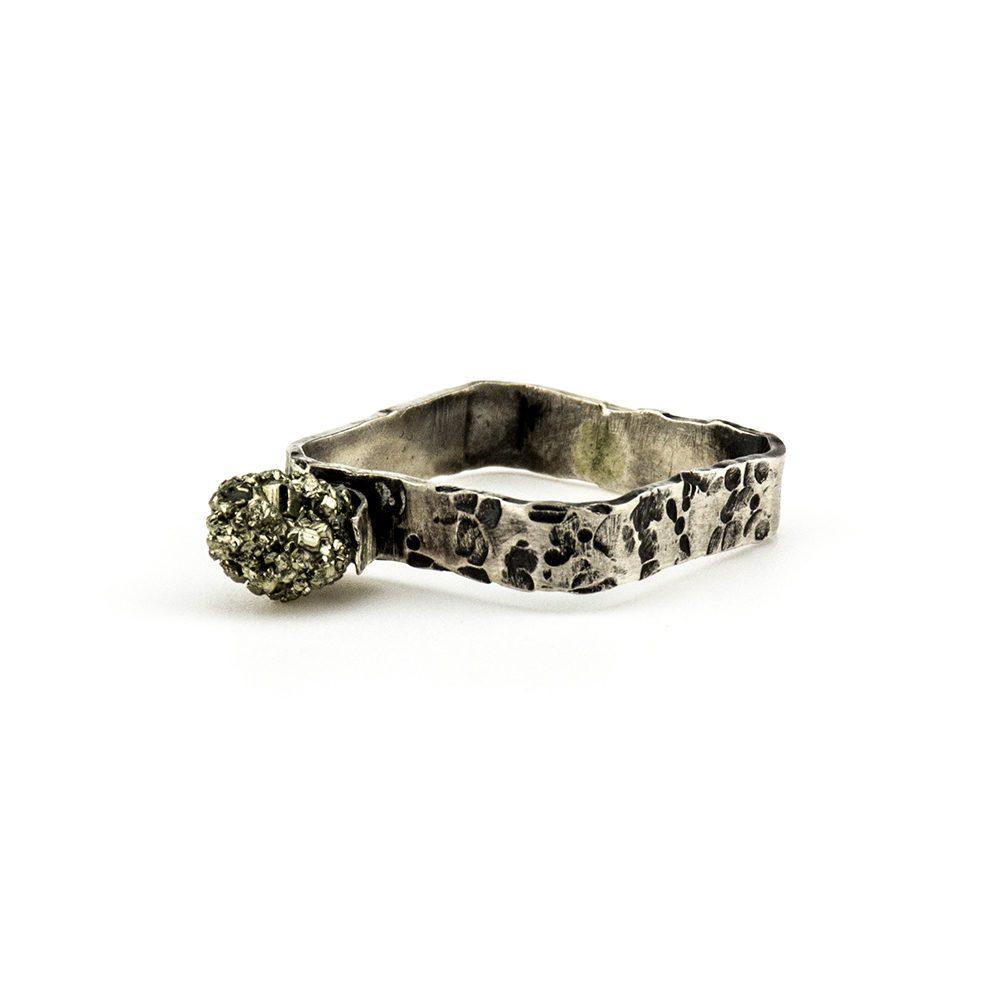 prsten od pirita