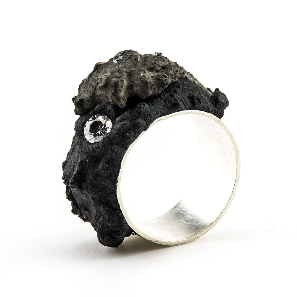 prsten od betona i cirkona