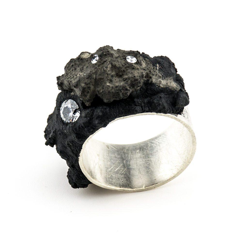 prsten srebro, beton i swarovski kristal