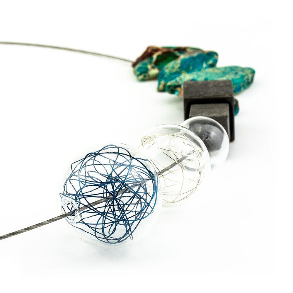 ogrlica od stakla i tirkiza