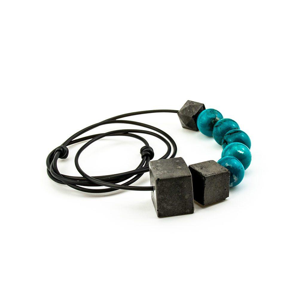 ogrlica od kaučuka tirkiza i betona