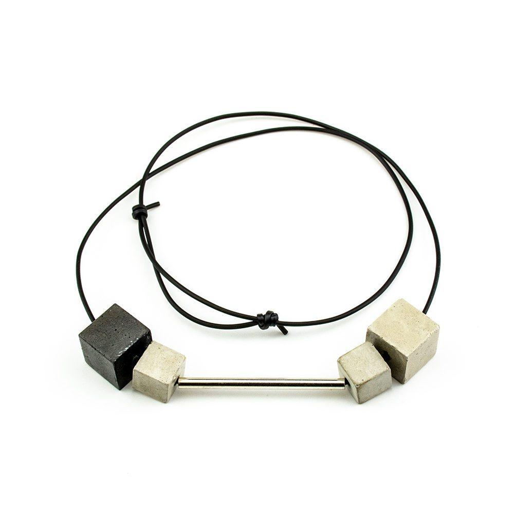 ogrlica od kaučuka i srebra