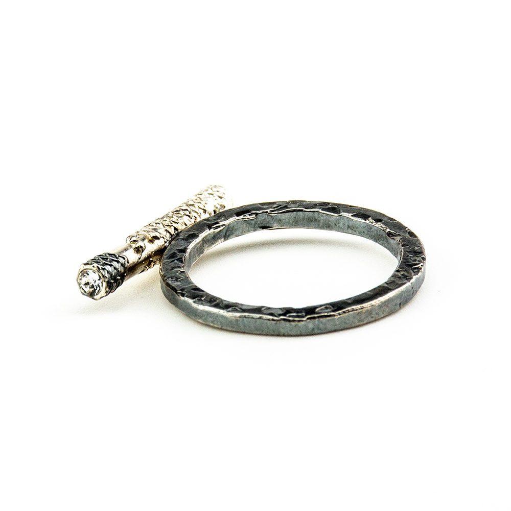 srebrni prsten s mrežicom od srebra