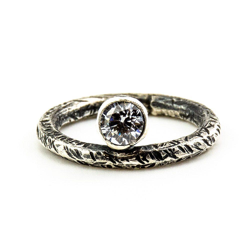 Zaručnički prsten od srebra i swarovski kristala