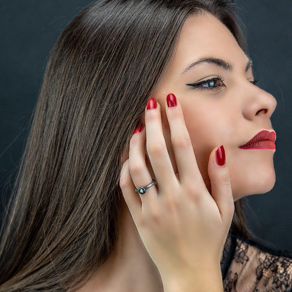 prsten sa sirovim dijamantom