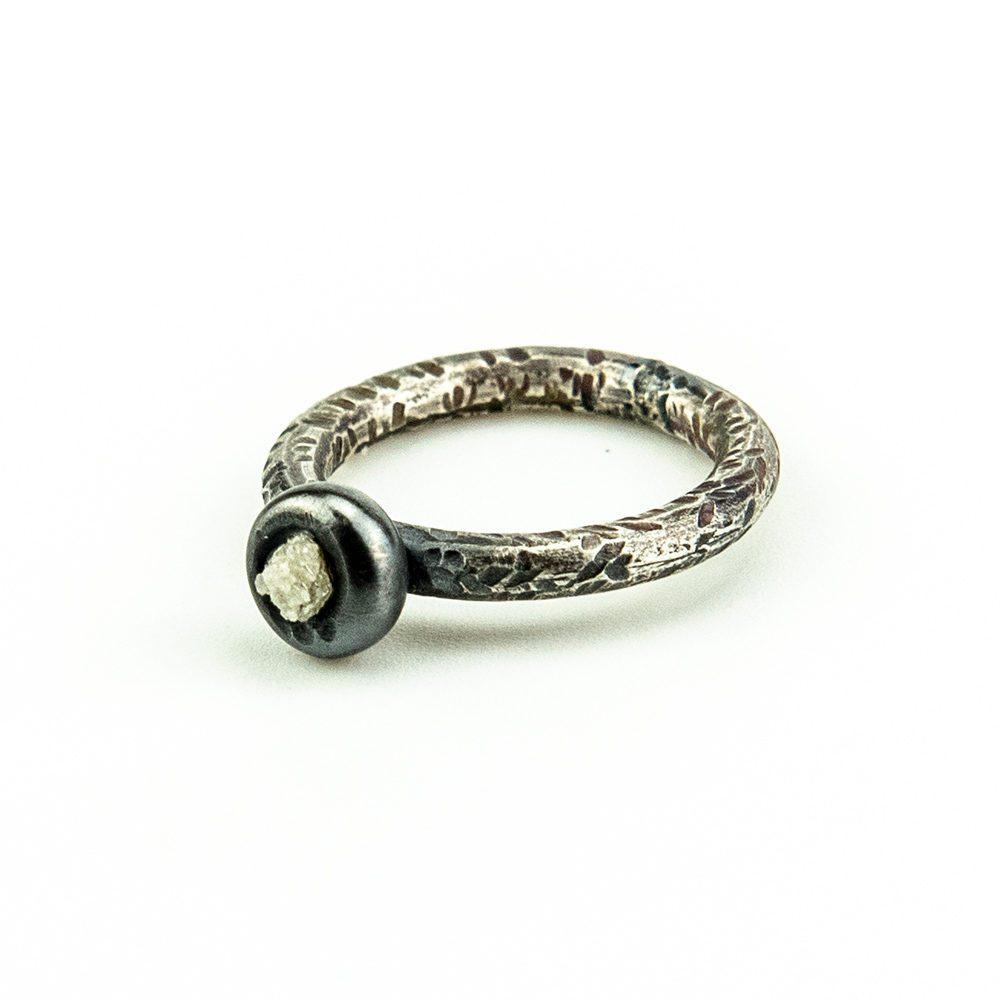 Zaručnički prsten s dijamantom