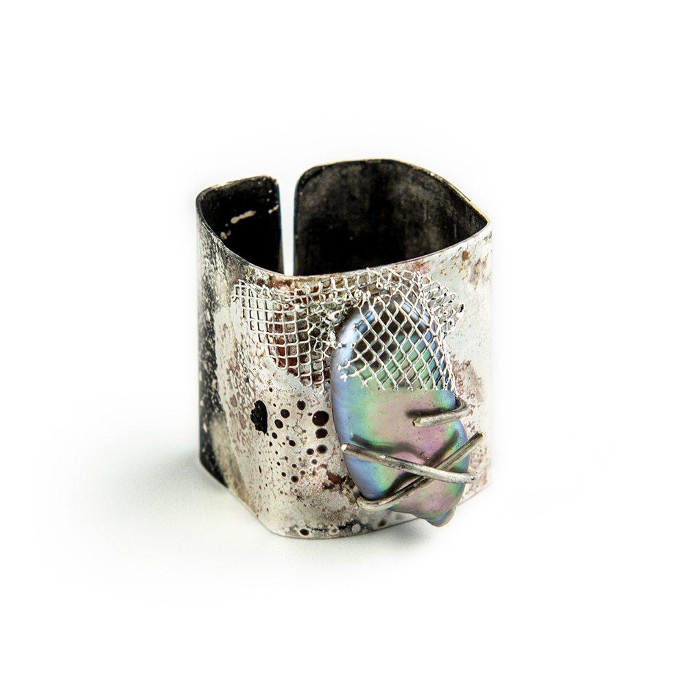 Četvrtasti prsten s biserom i srebrom