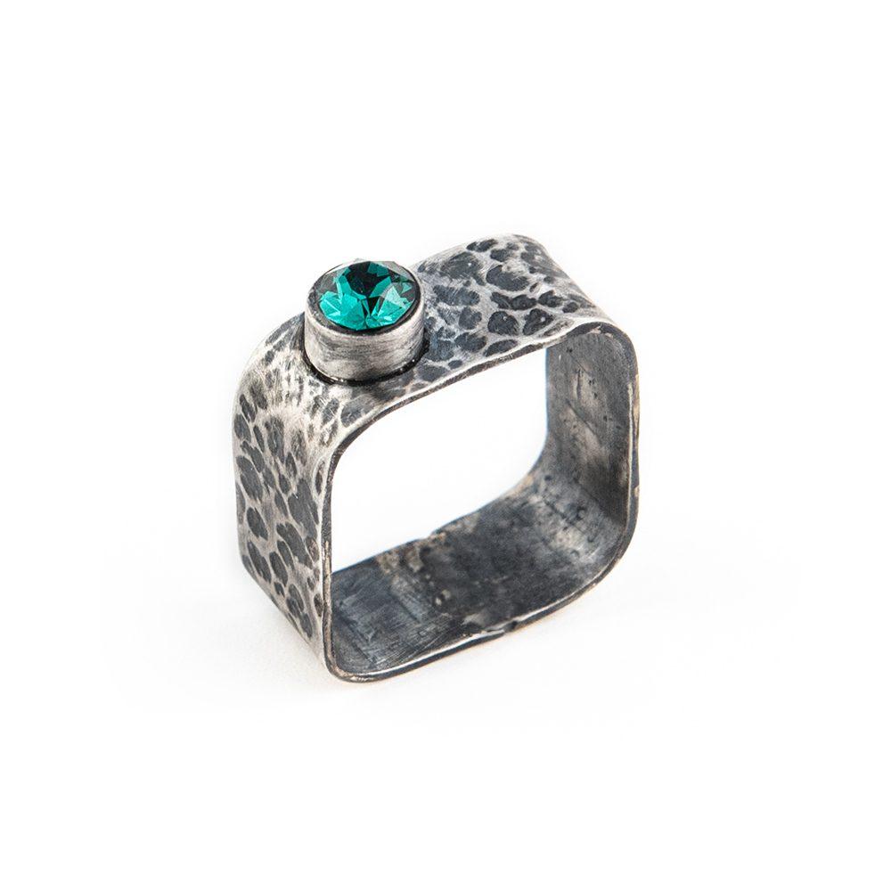 četvrtasti prsten od srebra ručni rad