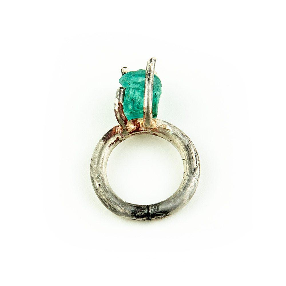 Srebrni prsten s apatitom