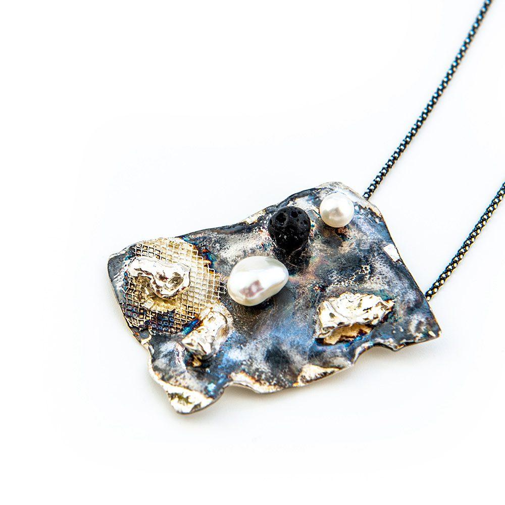 Srebrna ogrlica s biserom