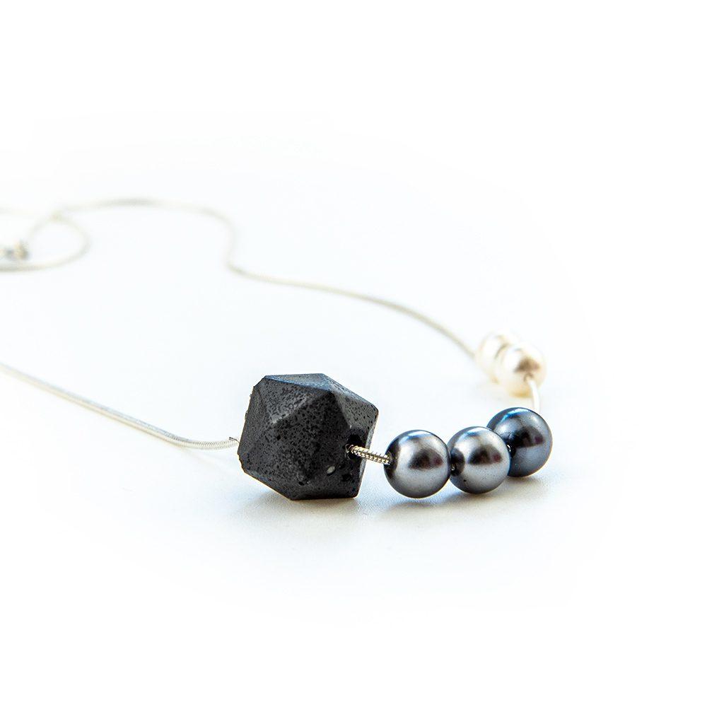 Ogrlica od srebra i bisera