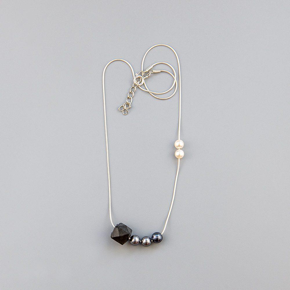 ogrlica od srebra s ohridskim biserima