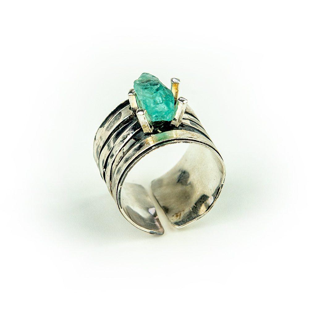 Srebrni prsten s akvamarinom