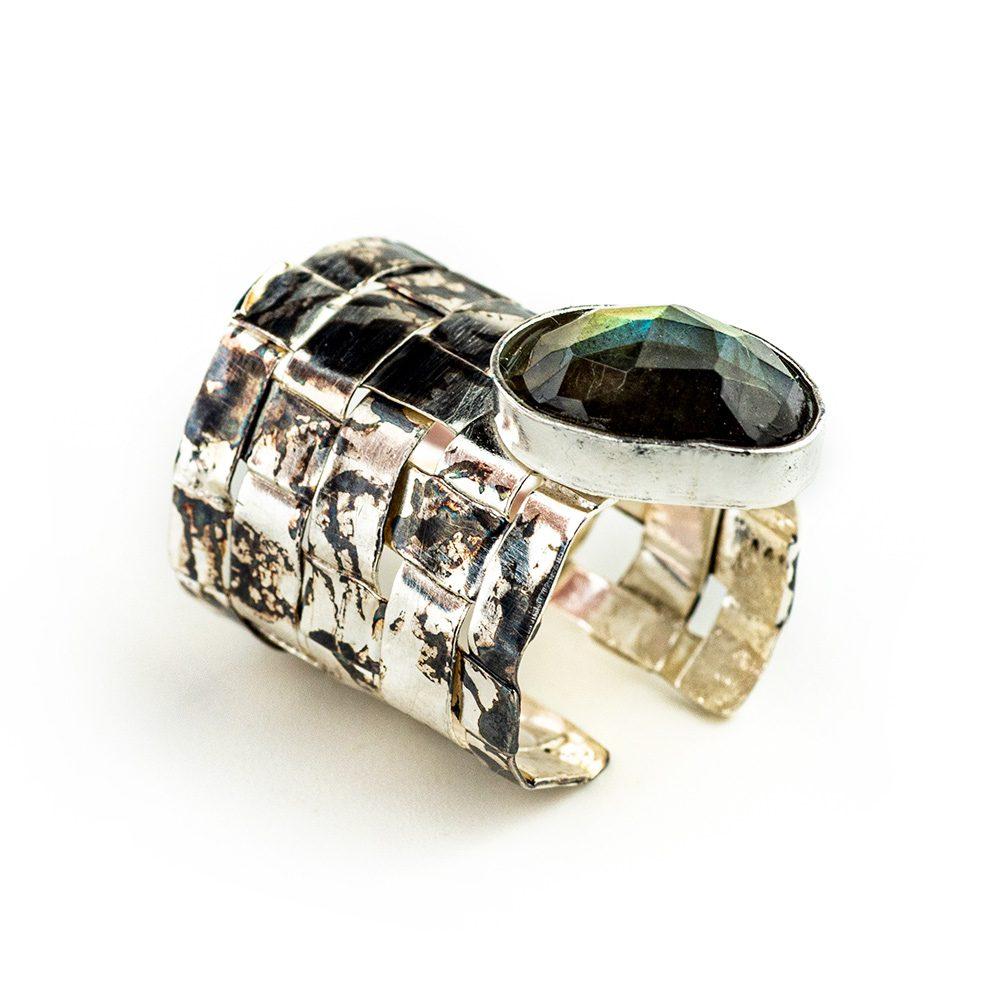 Srebrni pleteni prsten s labradoritom