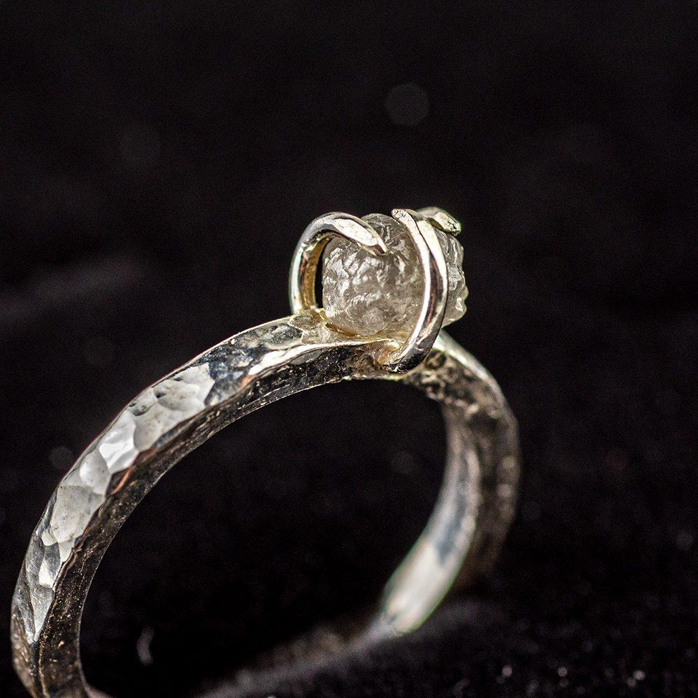 Dijamantni zaručnički prsten ručni rad