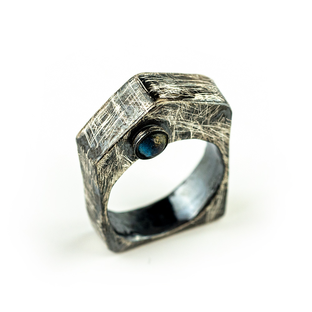 Prsten od srebra kućica ručni rad